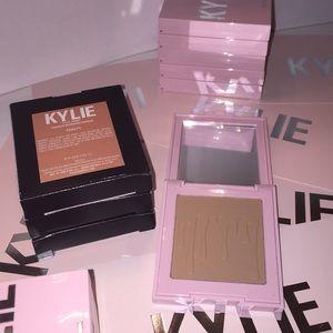 BNIB Kylie Cosmetics Bronzing Powder Toasty